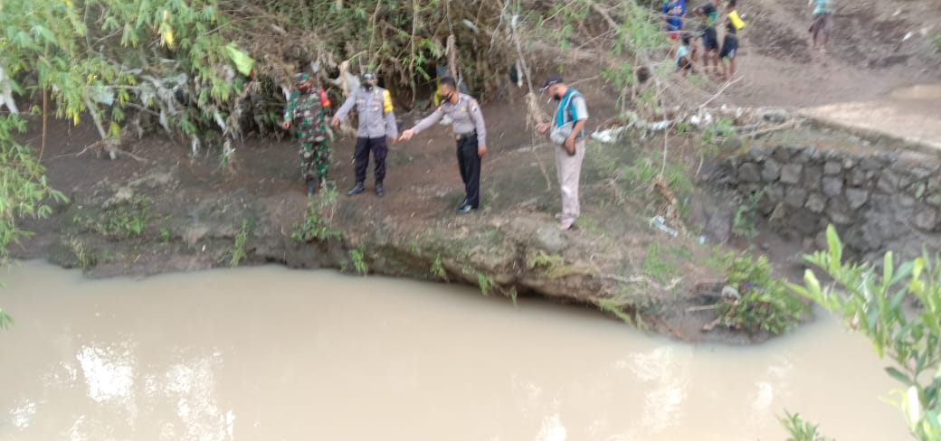 Bermain di Sungai, 2 Bocah Bersaudara Tewas Tenggelam