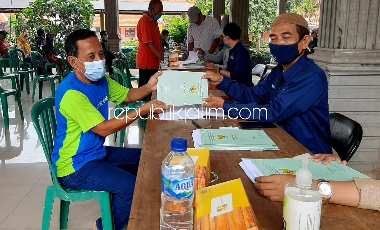 BPN Sidoarjo Bagikan 303 Sertifikat Warga Tanggul Wonoayu, Belasan Tidak Berstempel
