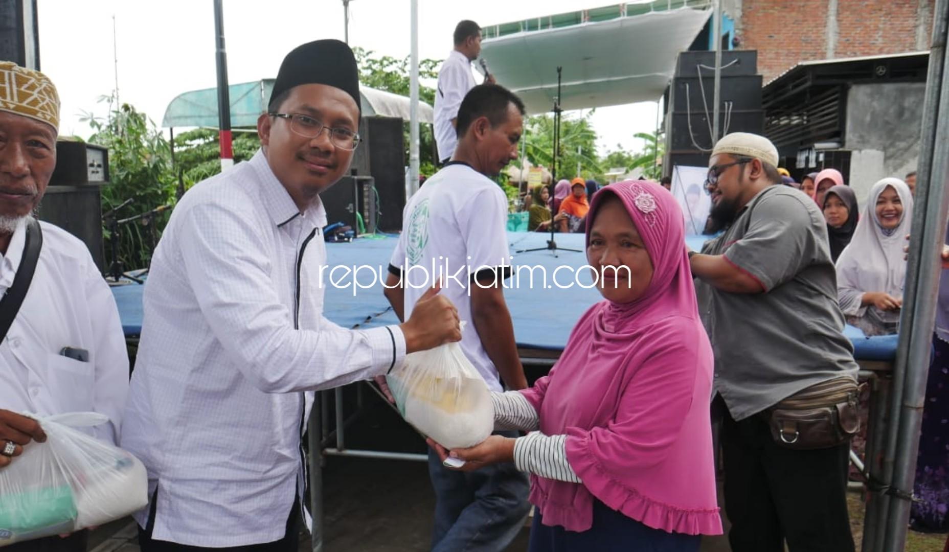 Pasar Murah Gus Muhdlor Diserbu Emak-Emak, 1.000 Paket Sembako Ludes Satu Jam