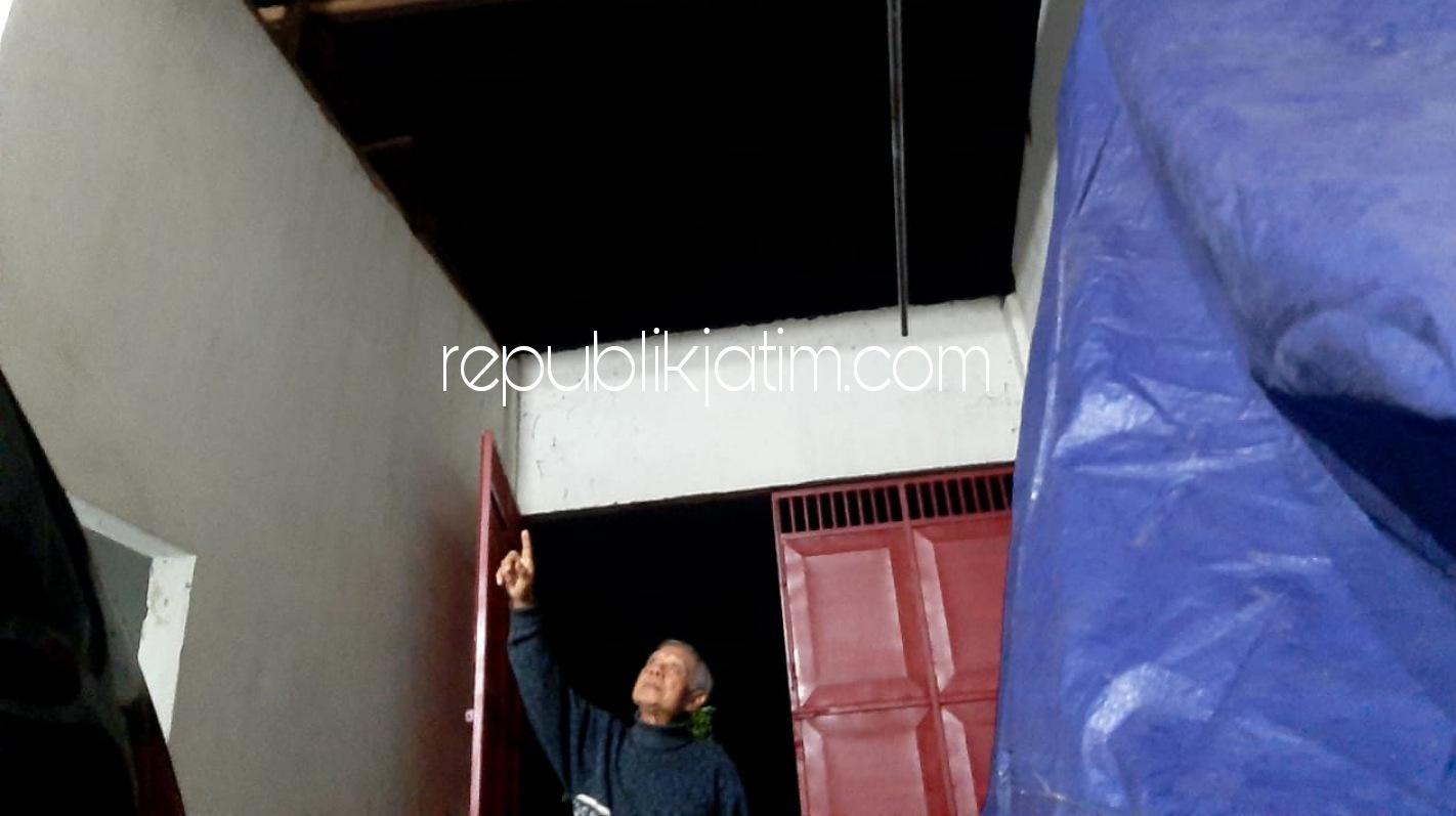 Atap Rumah dan Gudang Warga Wonokupang Balongbendo Rusak Diterjang Angin Kencang