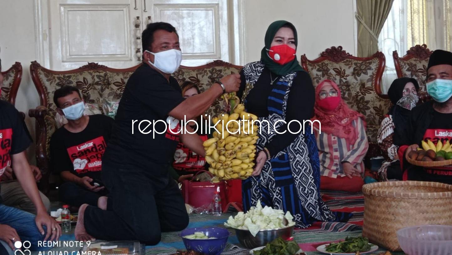 Relawan Rilis Sambangi Wabup Ponorogo di Rumdin Bawa Hasil Panen Kebun Sendiri