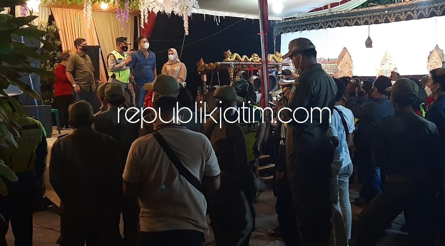 Melanggar Batas Jam Malam, Hajatan di Rumah Kades Sidokepung Buduran Dibubarkan Petugas Gabungan