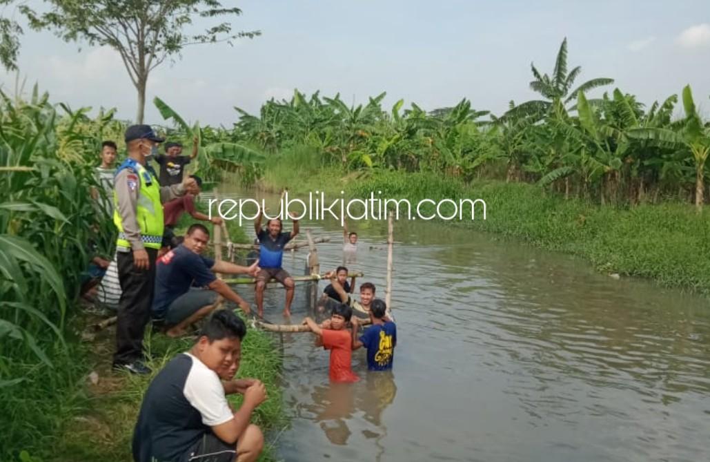 Pemuda Sidomojo Krian Jaga Kebersihan Sungai Dengan Budidaya Keramba Ikan
