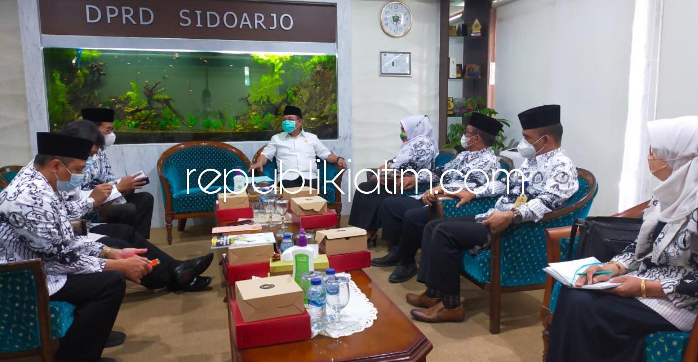 Pengurus PGRI Sidoarjo Desak DPRD Prioritaskan Honorer Guru saat Penerimaan PPPK