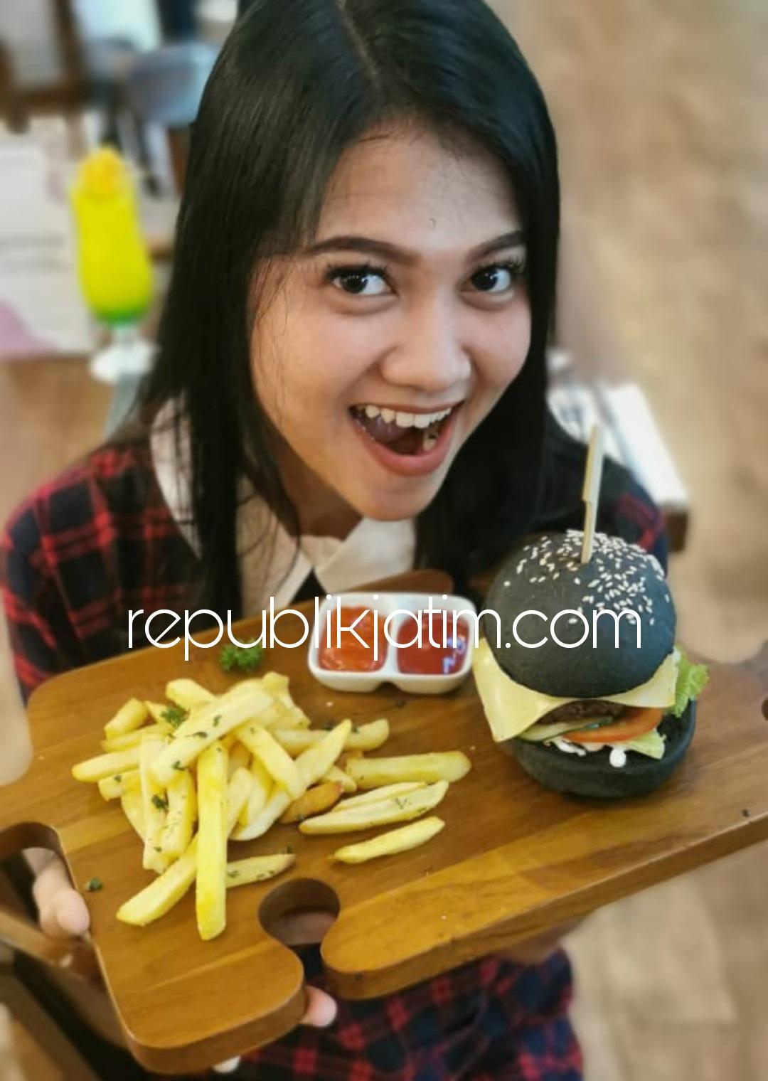 Black Burger Ala Fave Hotel Kota Delta Digemari Konsumen dan Dipercaya Sebagai Detoks Racun