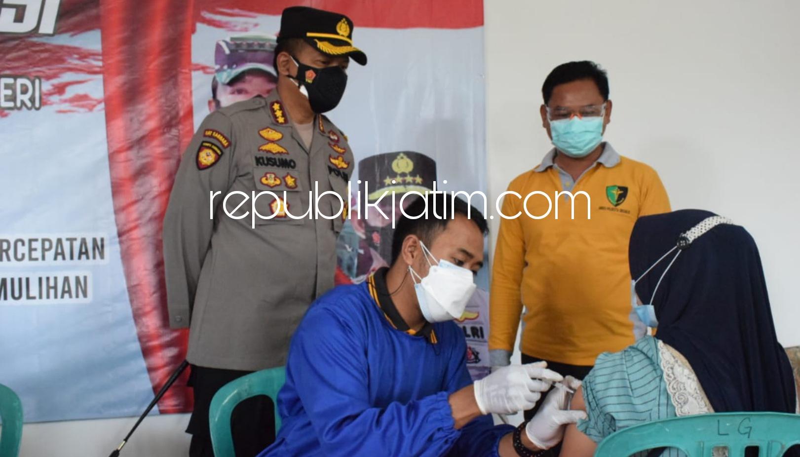 Kapolresta Sidoarjo Tinjau Vaksinasi Gotong Royong Ribuan Karyawan PT Young Tree Industries