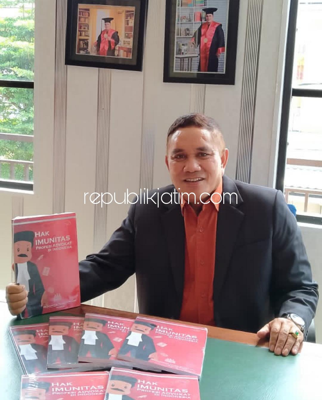 Doktor Danggur Feliks Merubah Stigma Buruk Advokat Dengan Menulis Buku Soal Profesionalisme Pengacara