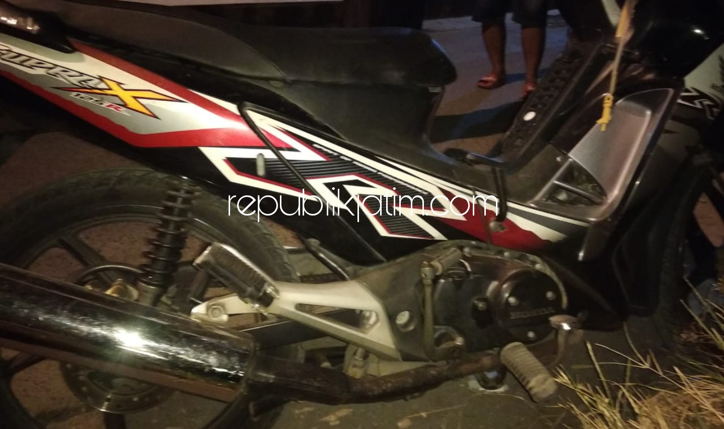 Pengendara Motor Asal Surabaya Terkejut Tanjakan, Jatuh Tersungkur Tewas