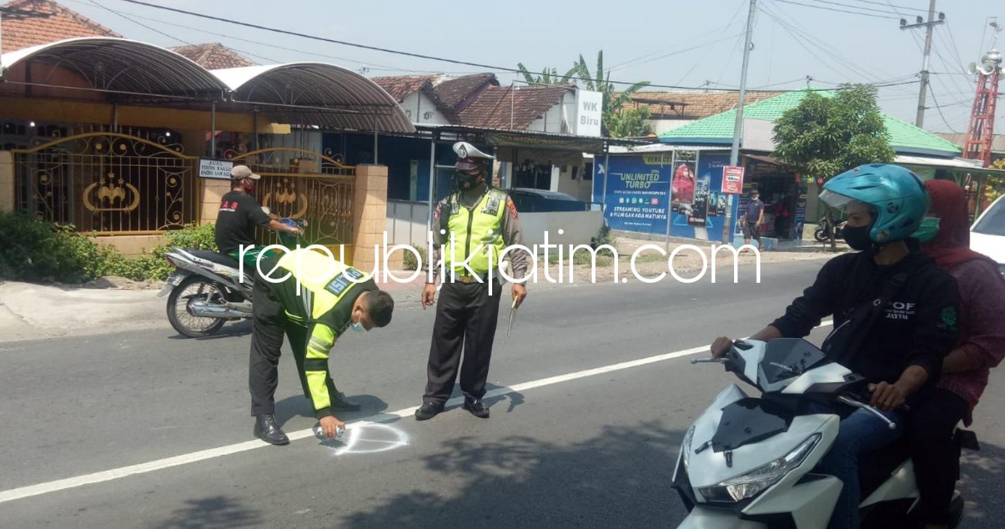 Truk Rem Blong Tabrak Penarik Amal Jariyah Masjid Lajuk Porong, Korban Meninggal di TKP