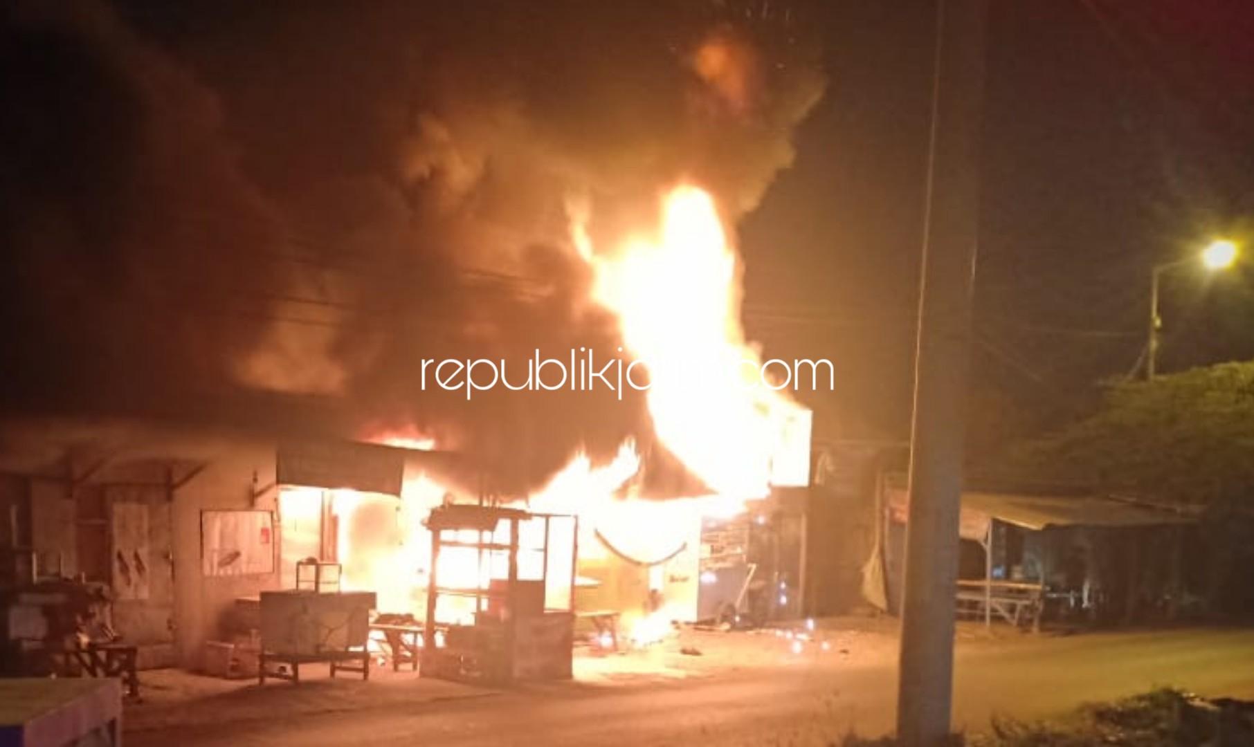 Usai Dengar Ledakan, Tiga Kios Warung di Gedangan Ludes Terbakar