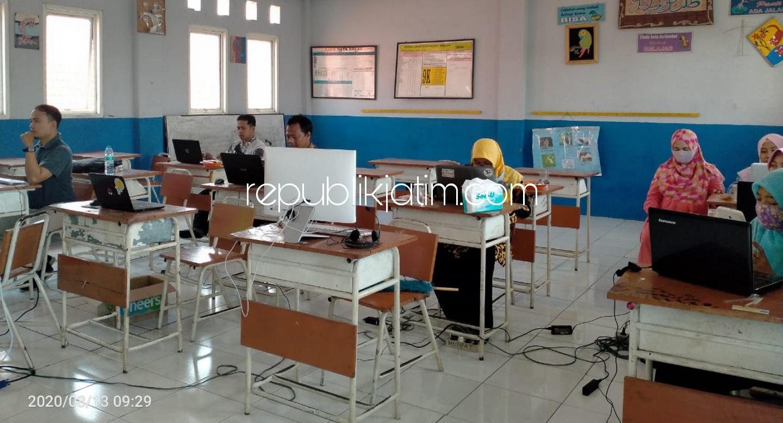 Abdimas Umsida Pertajam Kemampuan Guru SMP dalam Pembelajaran Daring Saat Pandemi Covid-19