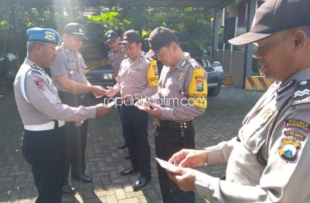 Polisi Harus Taat Hukum, Anggota Polsek Ngebel Dicek Kelengkapannya