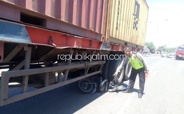 Pemuda Nganjuk Tewas Terlindas Truk Kontainer di By Pass Krian