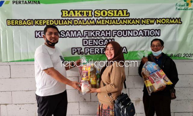 Fikrah Foundation dan Pertamina Bagikan 3.000 Paket Sembako untuk Warga Sidoarjo Terdampak Covid-19
