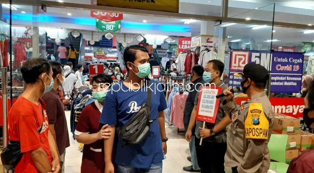 Kapolsek Krian : Penyekatan Bukan Hanya Di Pospam, Tapi Juga untuk Pengunjung Mall