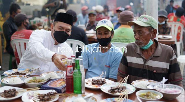 Penghujung Ramadhan, BHS Berbuka Bersama dan Bagikan Sembako Bagi Puluhan Tukang Becak Pasar Larangan