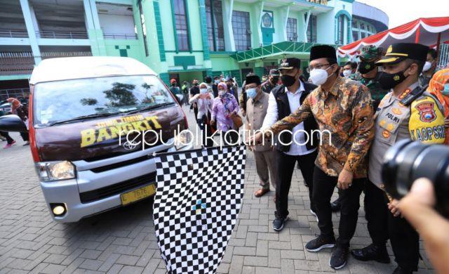 Kejar PPKM Level 1, Gus Muhdlor - Eri Cahyadi Kolaborasi Percepat Vaksinasi Aglomerasi Surabaya Raya