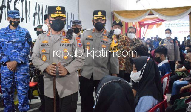 Serbuan Vaksinasi 12.000 Dosis dan 1.500 Paket Bansos Alumni AKABRI 1998 di Tambaksawah Waru