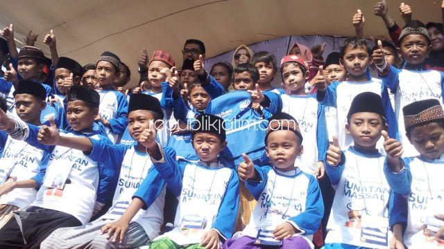 300 Bocah Khitan Massal dan 400 Peserta Pengobatan Gratis di STIKES Balongbendo