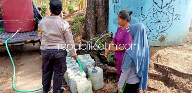 Polsek Slahung Pasok Bantuan Air Bersih untuk Kampung Terdampak Kekeringan di Ponorogo
