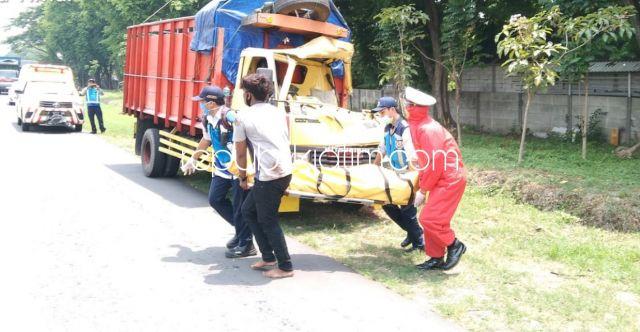 Truk Tabrak Tronton di Tol Sidoarjo - Porong, Sopir Asal Madura Tewas Terjepit