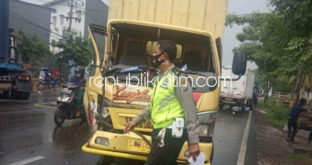 Kecelakaan Beruntun Tiga Truk di Jalur Surabaya - Mojokerto, Semua Sopir Selamat Kerugian Rp 10 Juta