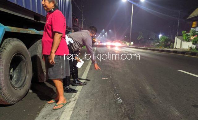 Diduga Melaju Lawan Arus di Jalur Surabaya-Mojokerto, Mahasiswa Asal Gilang Taman Tersenggol Truk